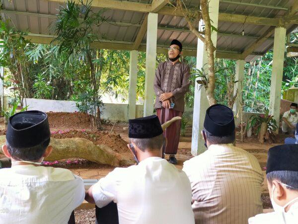 Sambut Ramadlan 1442 H, MAN 2 Cilacap Ziarah Kubur Tokoh dan Pejuang